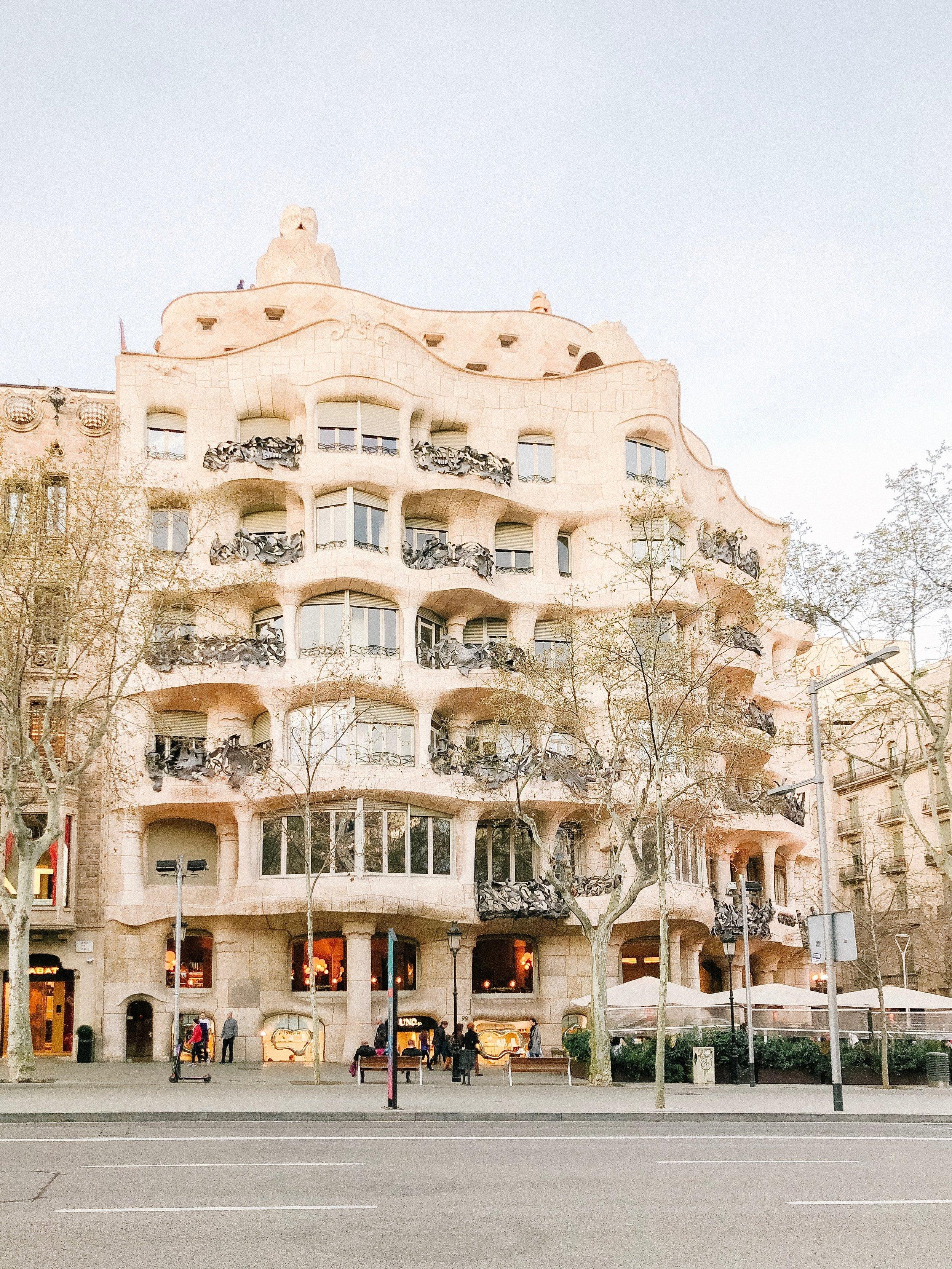 barcelona_honeymoon_travel_agent.jpg