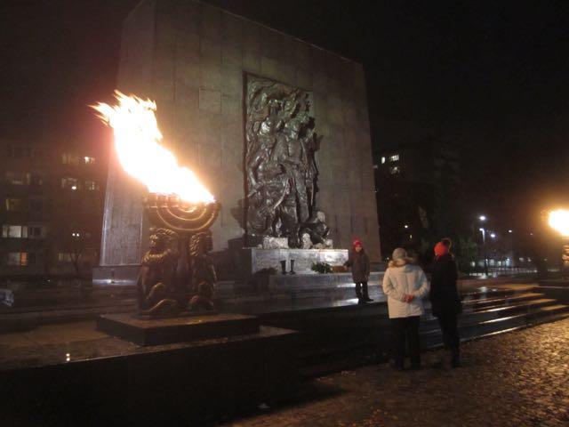 Warsaw-Jewish museum memorial.jpg