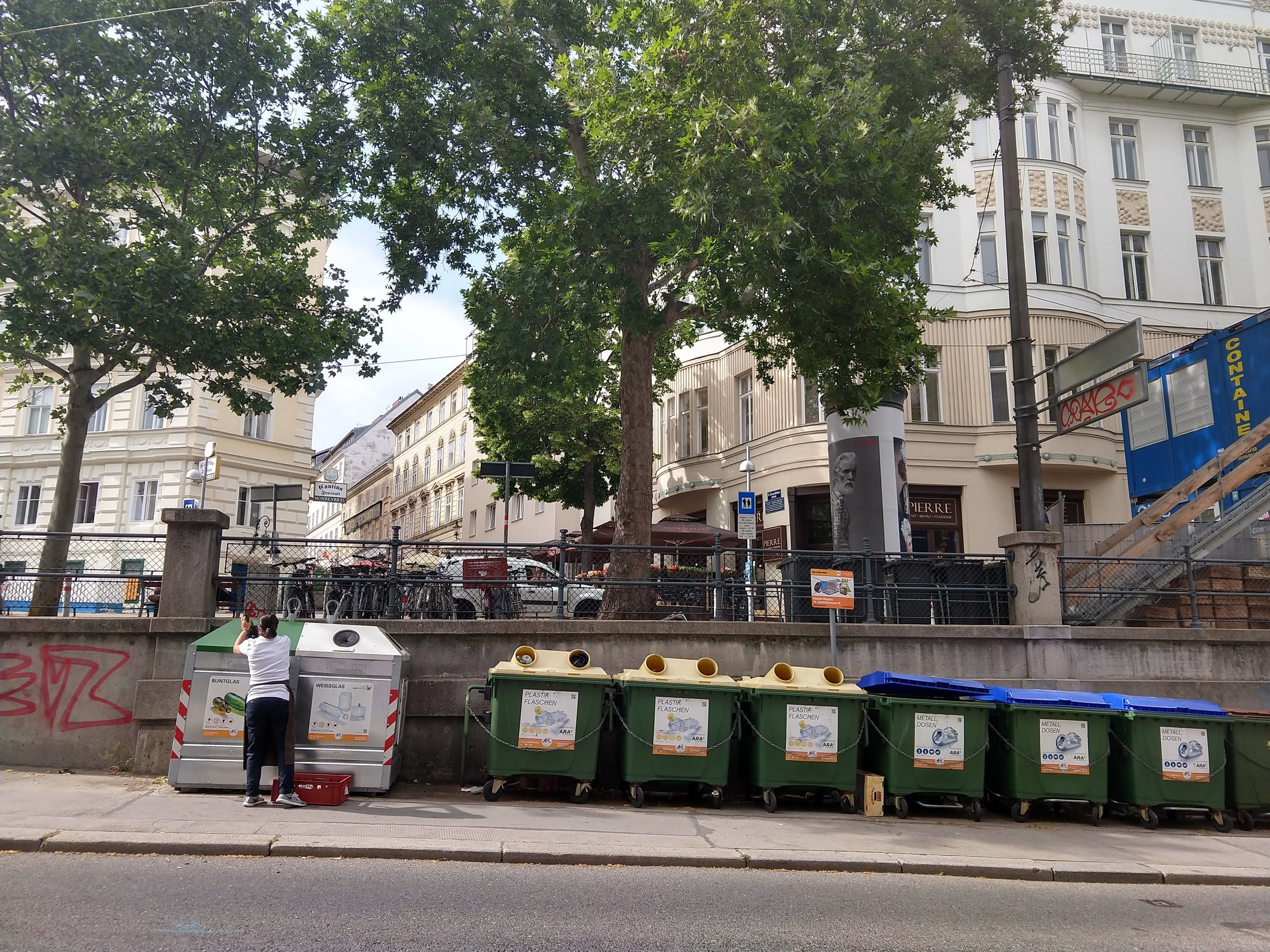 Recycling bins along the street — one of many reasons to love Vienna. I think I also heard recently that it's been voted a top city for livability.