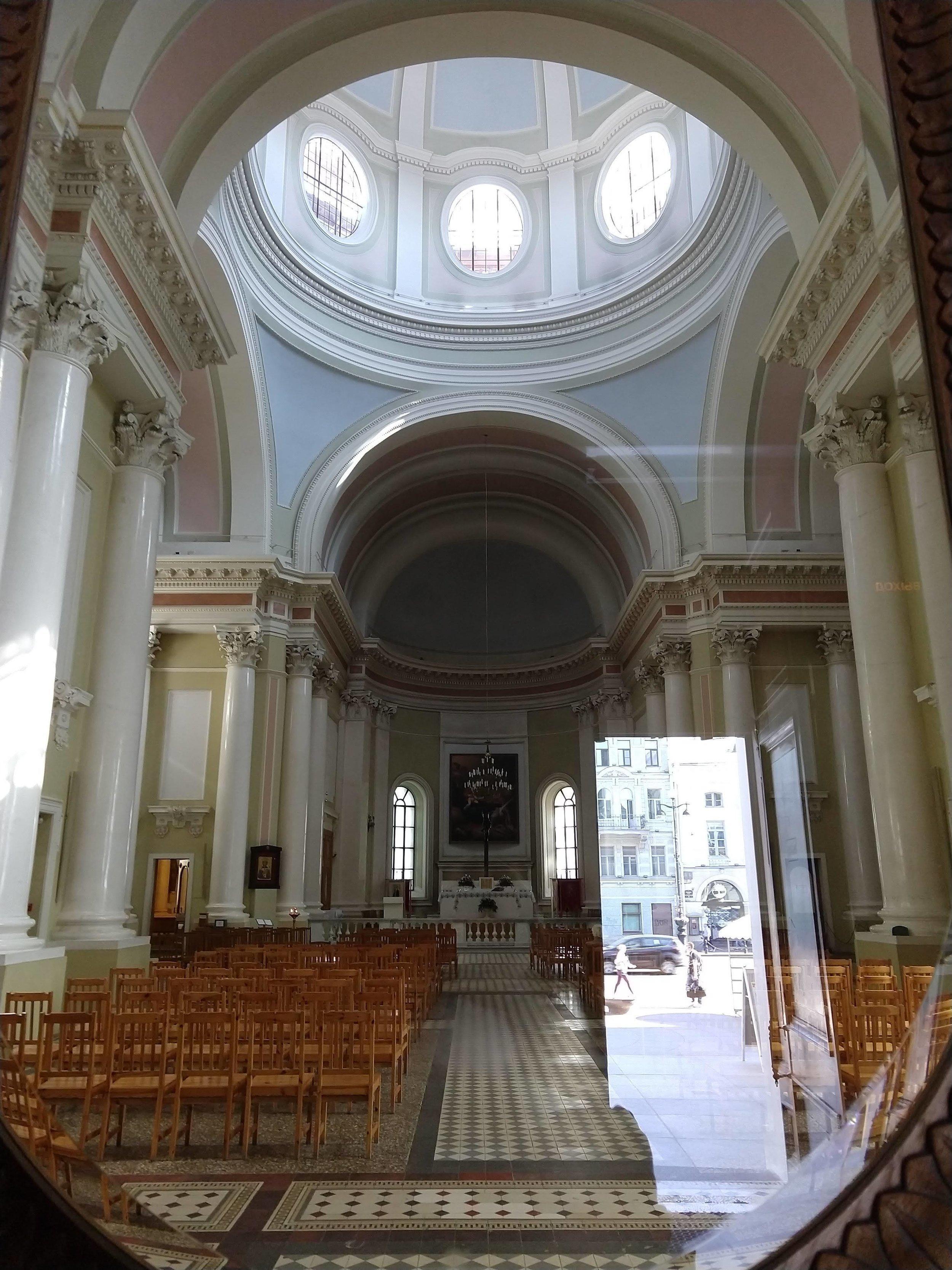 St-Petersburg-Catholic-church-2018.jpg