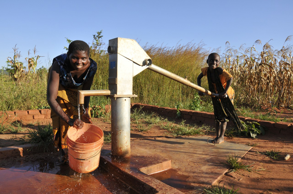 PCC_Malawi_04092013_937_web.jpg
