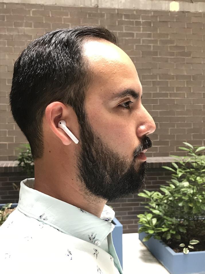 headphones men bloggers