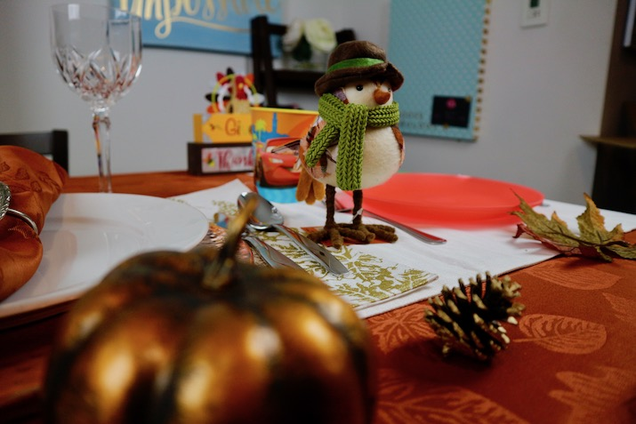 how to set thanksgiving table