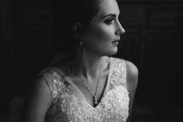 The Bride - #gettingready #bride #beautifullight #weddingdress #blackandwhite #highlightsandshadows #weddingphotography #nz #gettingmarriednz #hitched #gettinghitched #brideandgroom www.hitchedweddings.co.nz