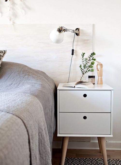 Minimal DIY Bedframe