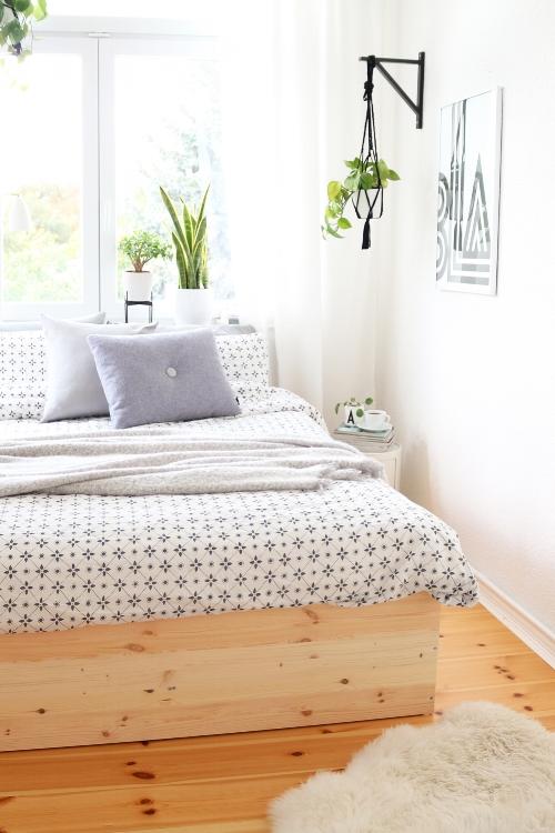 Minimal Bedframe DIY Playwood