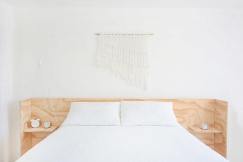 Minimal Plywood Bed