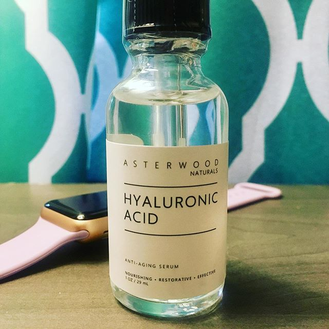 "Let's talk Hyaluronic Acid. Do you use it? Do you love it? Do you put it on properly?  If you want plumper, softer, smoother skin, less fine lines and dry patches...you really need to start adding this little gem to your #skincareroutine. I know, I know...you probably hear the word ""acid"" and freak out a little. BUT Hyaluronic Acid is found naturally in our skin. It holds water and helps keep our skin hydrated and plump. But just like collagen and elastin, the amount of natural Hyaluronic Acid in our bodies decreases as we age.  Did you also know Hyaluronic Acid needs to be applied to damp skin in order to work? Applying it to a dry face can have the opposite effect and leave skin more dehydrated. Just think of your damp face like a sponge."