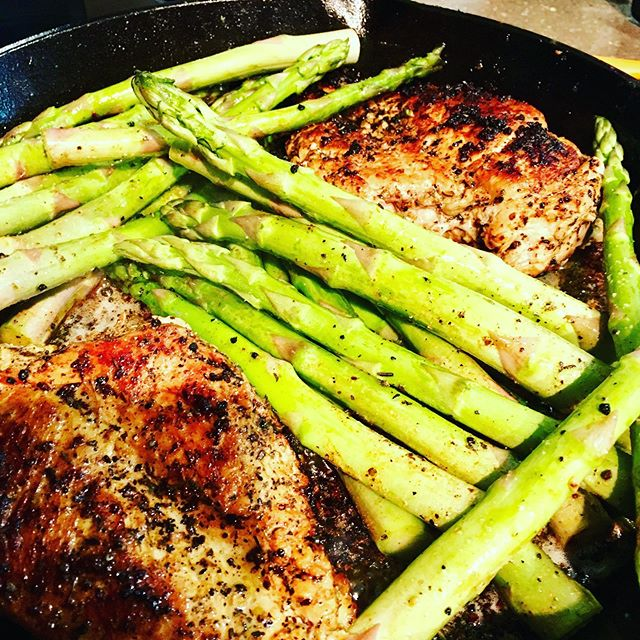 "Last night I made Ryan one pan ""garlic butter chicken and sautéed asparagus"" in the cast-iron..It was simply amaze (not to mention super simple, easy cleanup)."