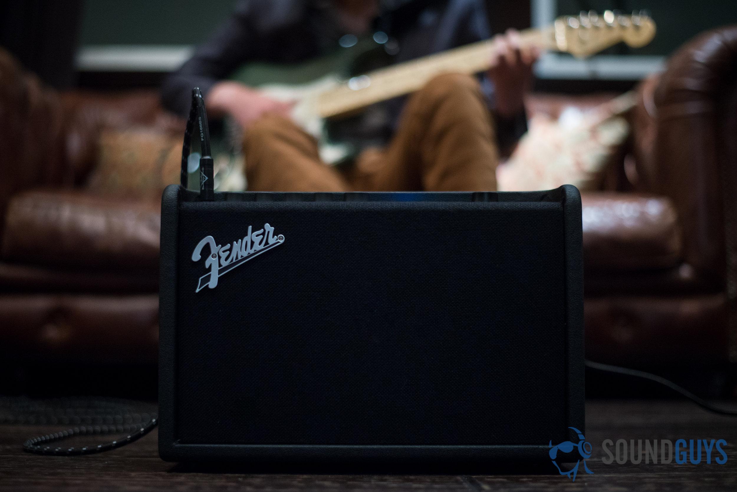 Fender-3.jpg