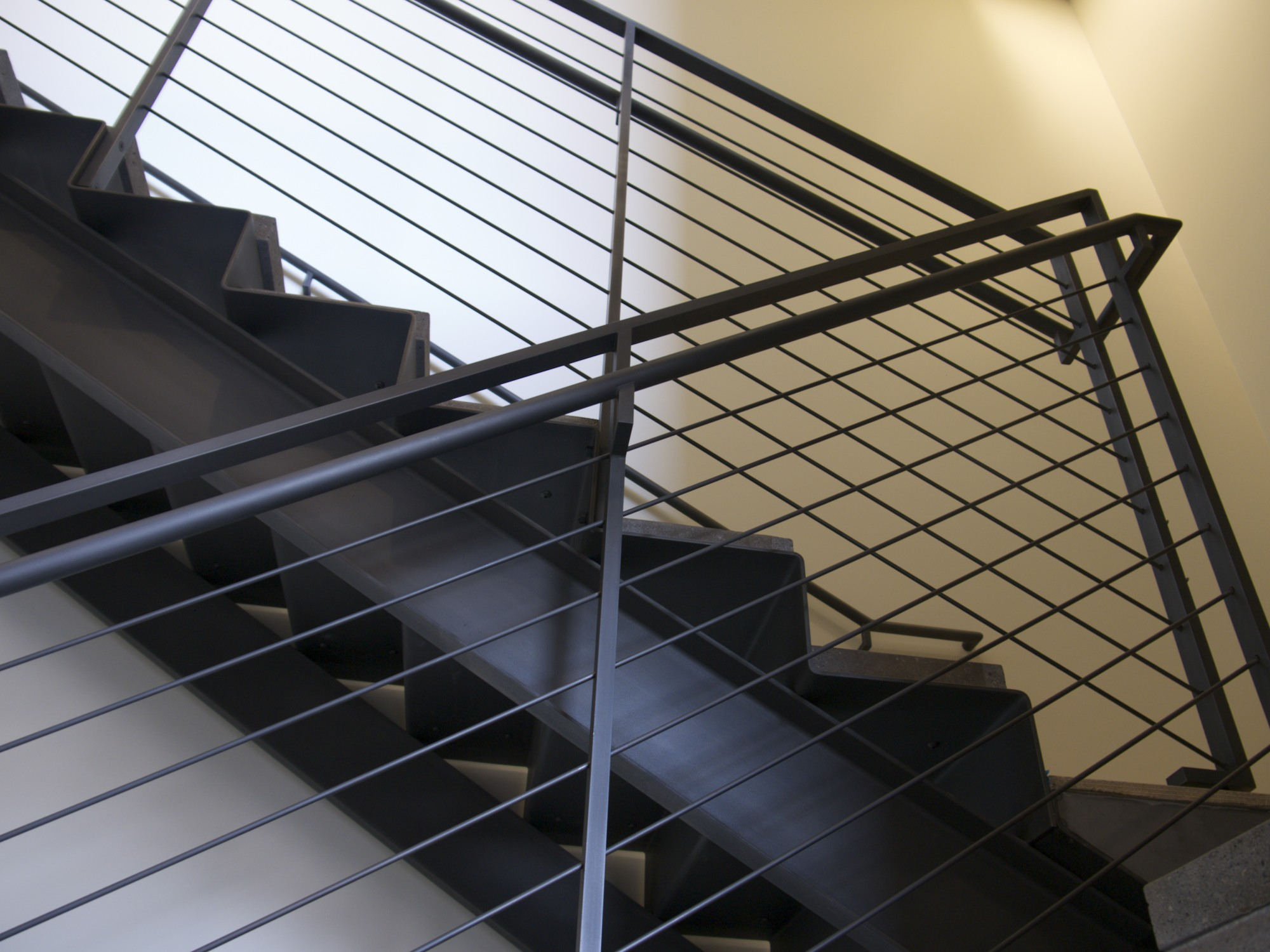Continuous steel staircase