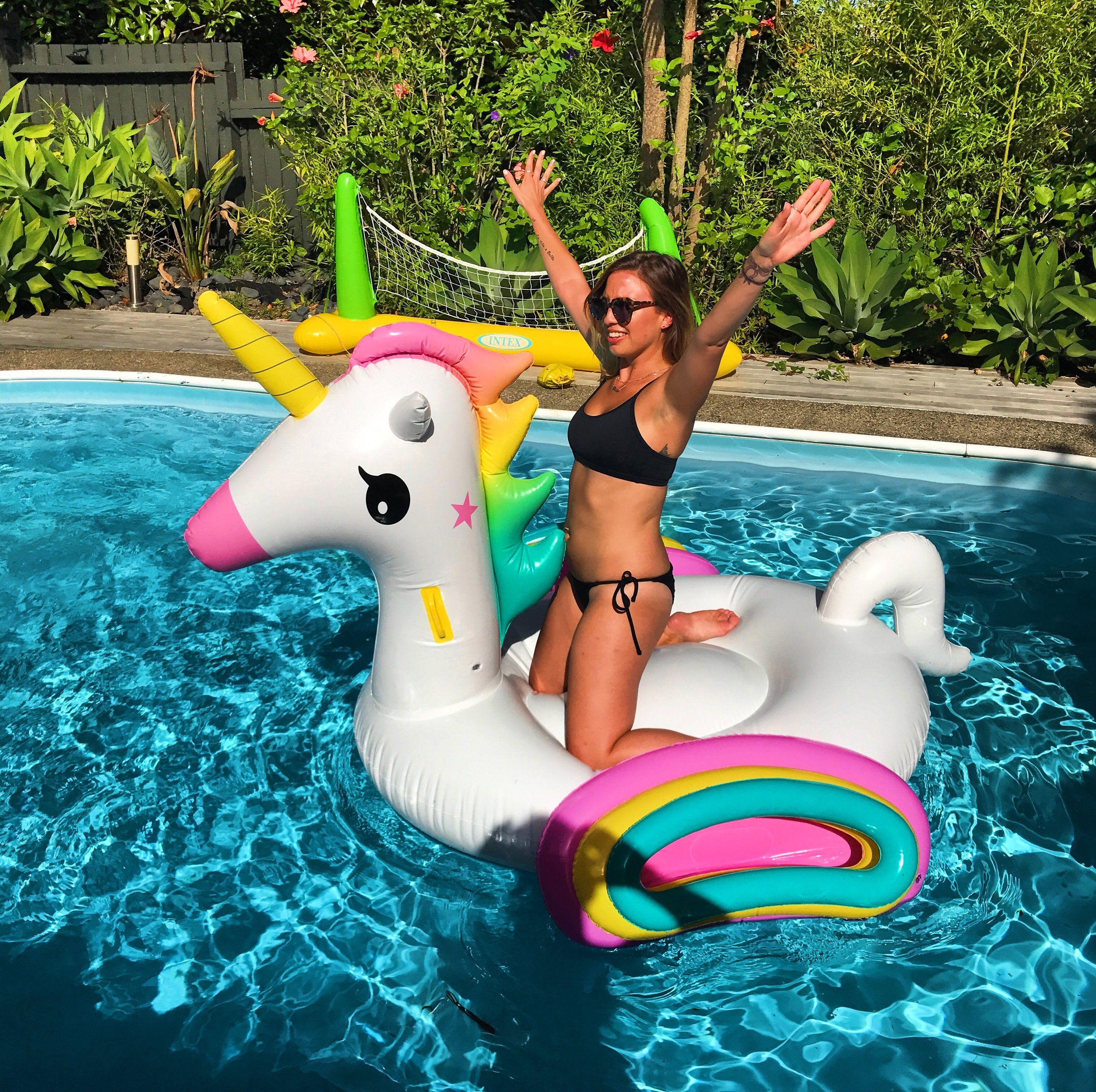 Nothing to see here, just a basic b living her best life on her unicorn mate (pretty sure I was hungover af #reality)