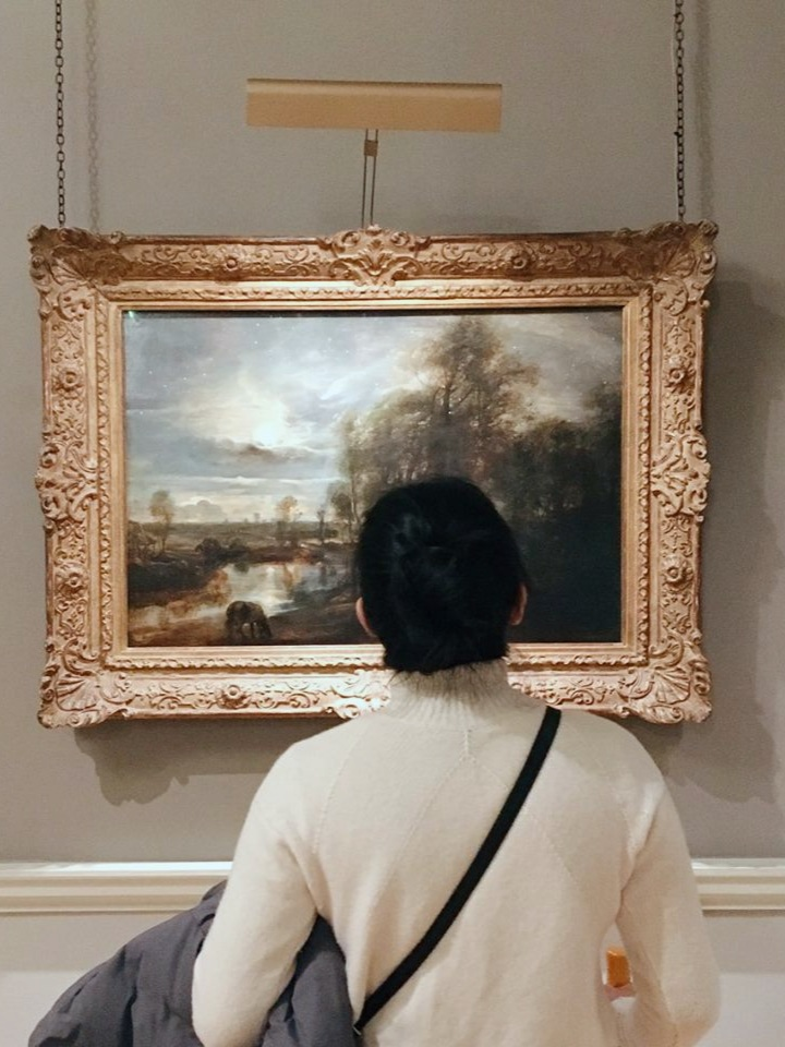 Appreciating Impressionist art at The Courthauld Gallery in London  photo by  Sophie Caldecott