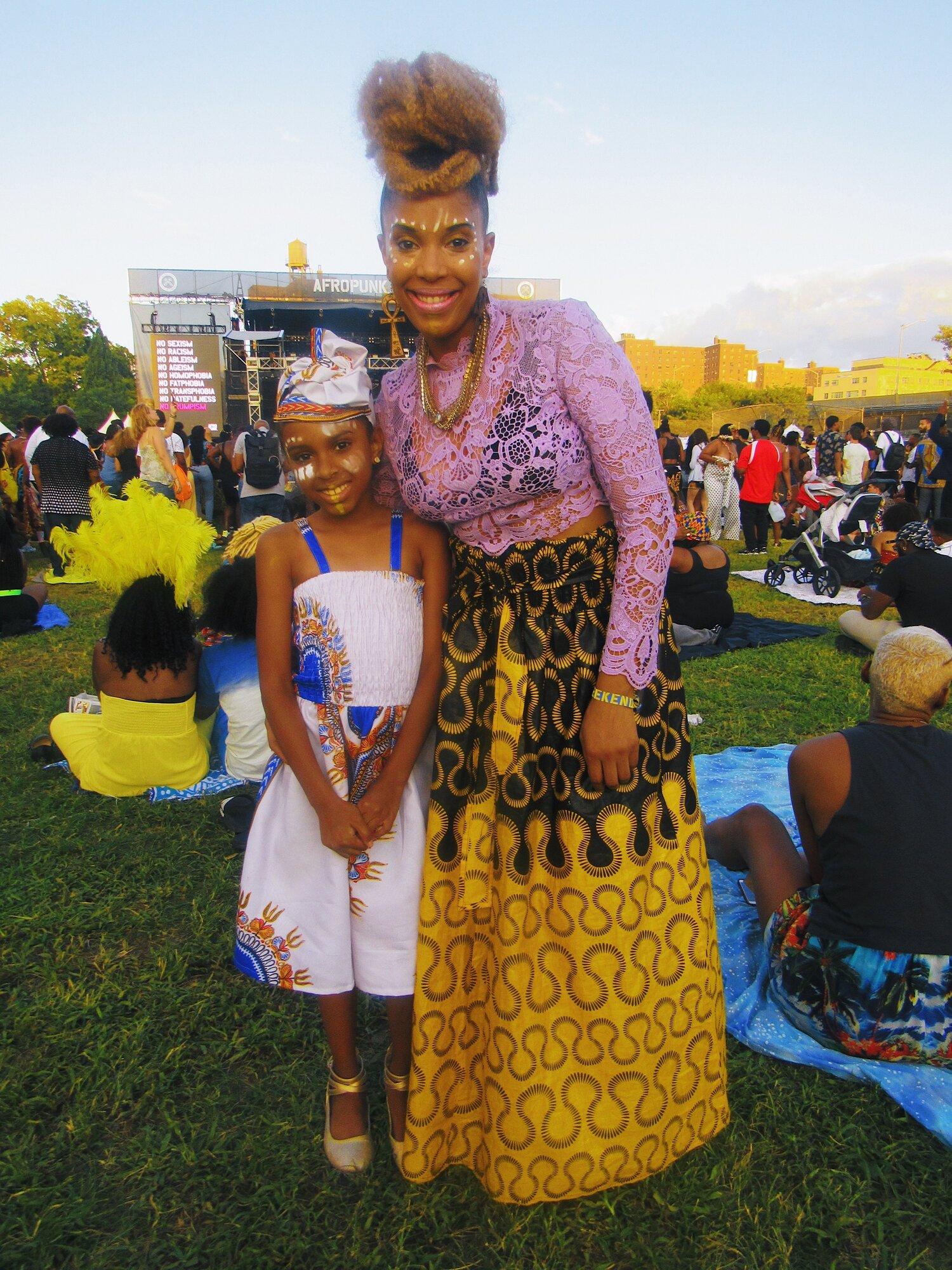 Mama love @ nykkinichole  Baby girl  @phoenixdebarge