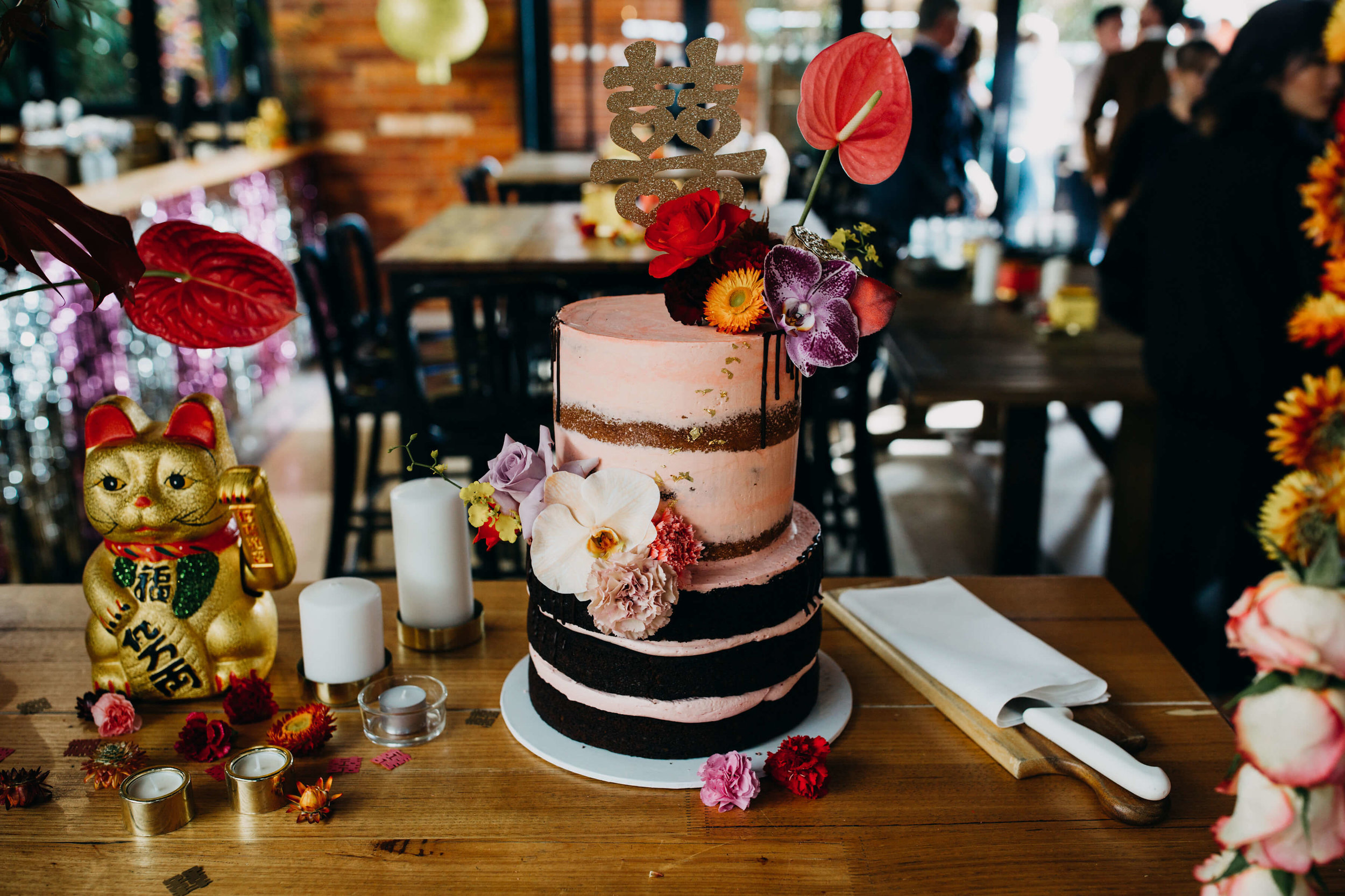 Cake, wedding, semi naked, flowers .jpg