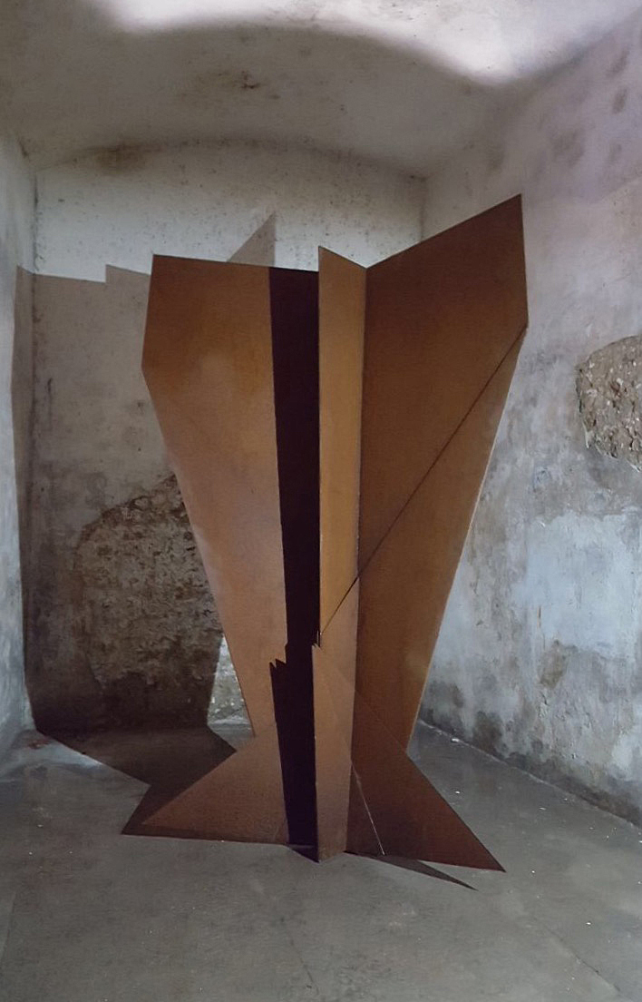 Crosswing  : 2017 :  Rusted steel    @SAMUEL.ZEALEY