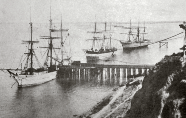 Cargo being loaded in Rosario onto Casado's Santa Fe Western Railway. The rail line would, by 1890, connect much of the agriculturally-rich province to the Port of Rosario and the rest of the world.
