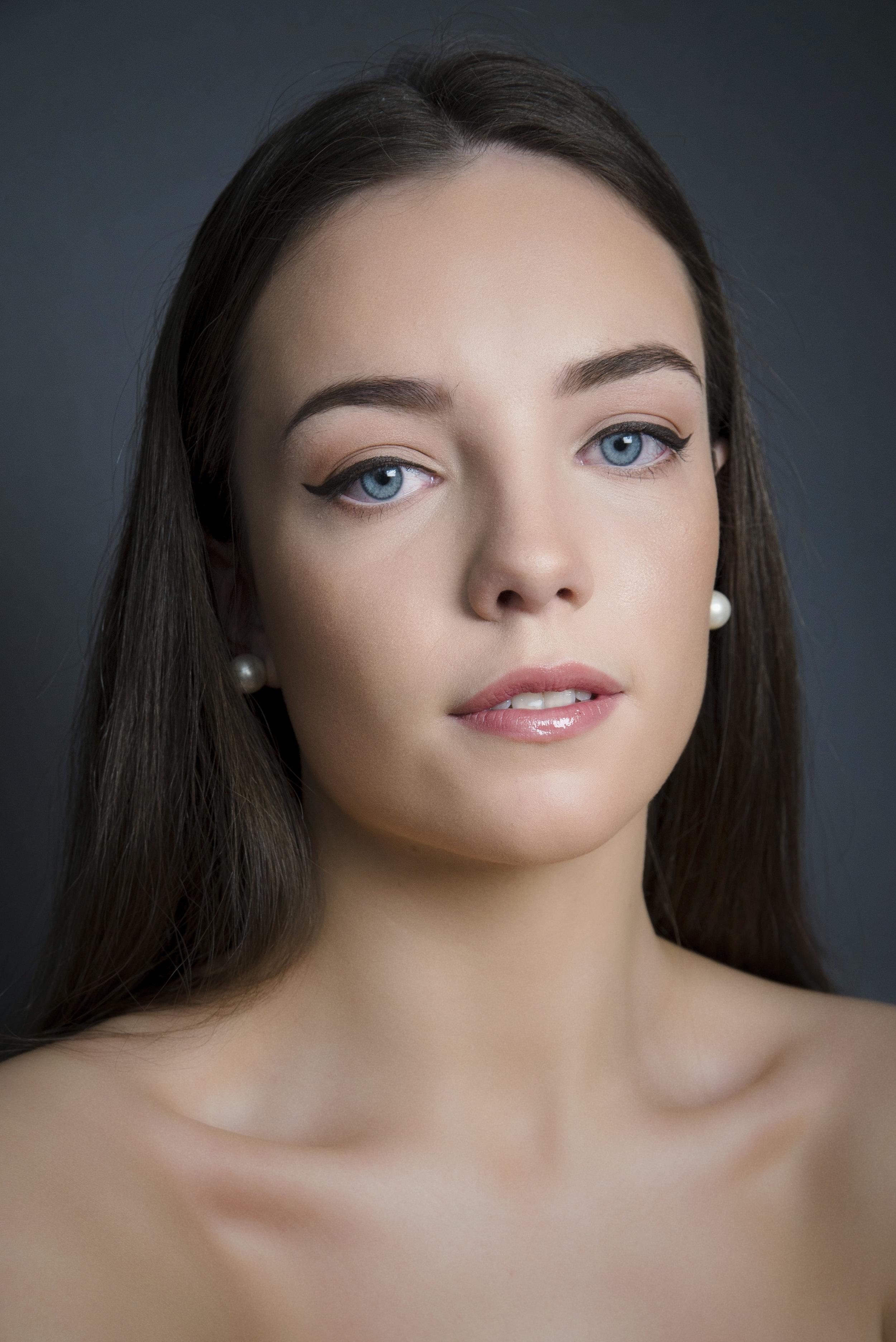 dewy-skin-bridal-makeup.jpg