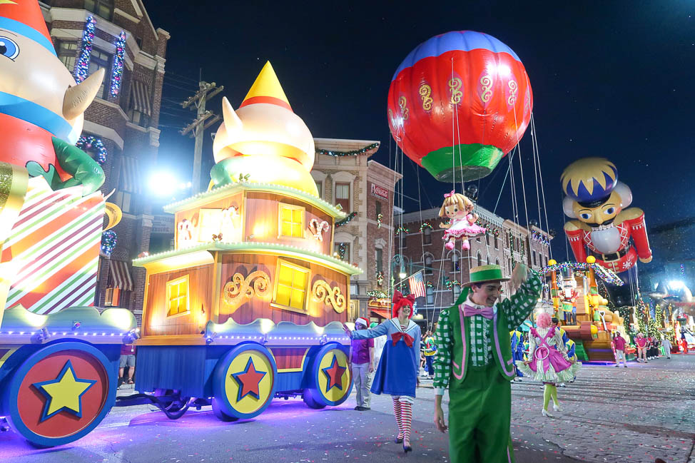 Universal's Holiday Parade, Featuring Macy's - Universal Orlando