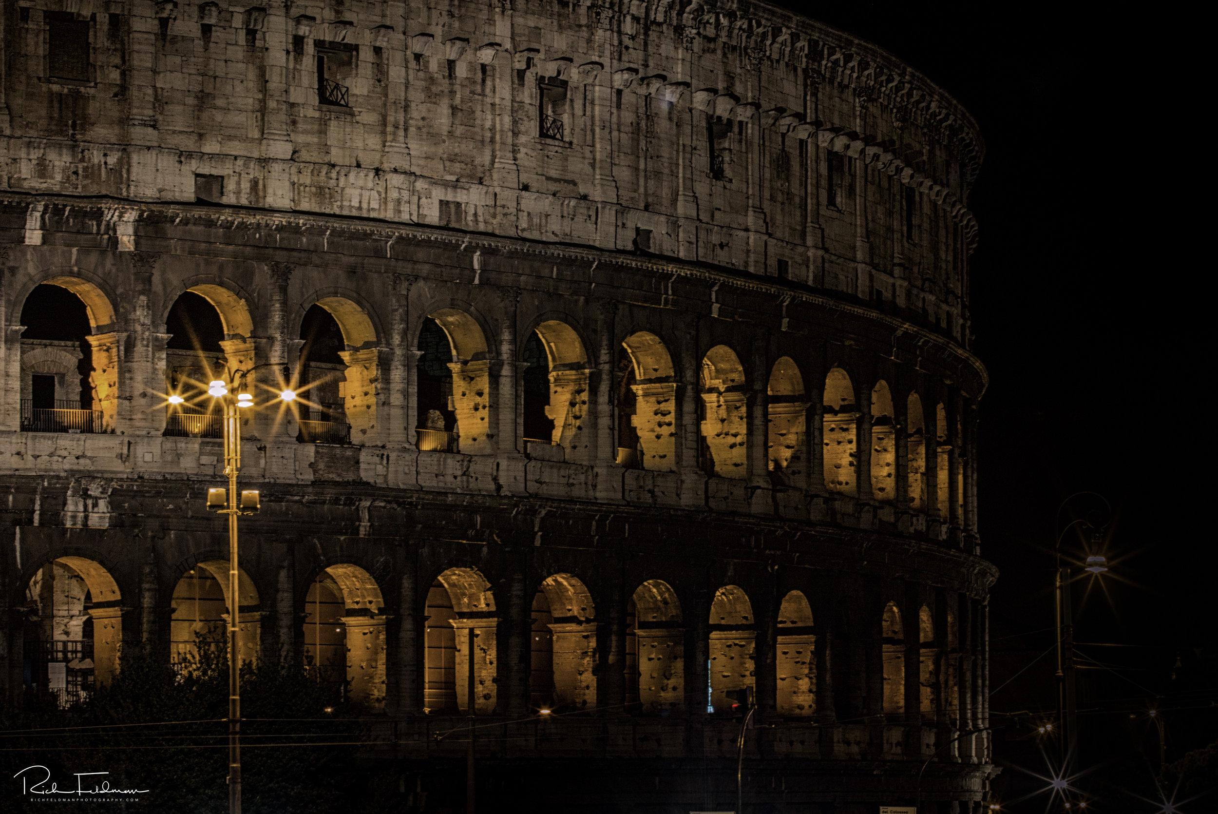 Colliseum Night 2.jpg