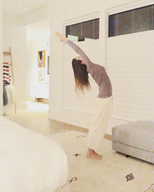 "#throwbackthursday  Nearing a decade after two C-sections and I'm still working on regaining that ""throwback"" flexibility.  #yogabreak #stretchitout #breathingexercises #nightimeroutine #balletposture #mentalfocus"