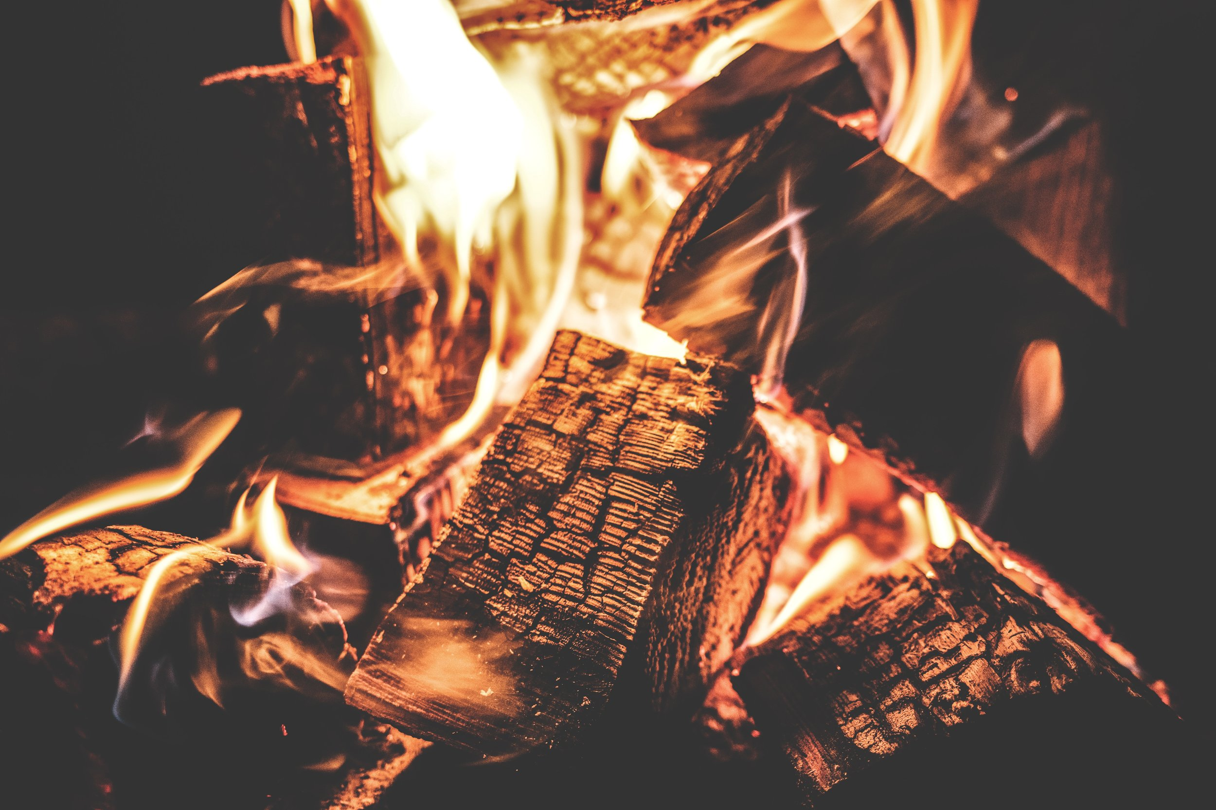 amber-bonfire-burn-167701.jpg