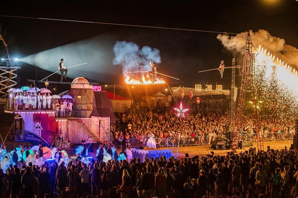 Bestival Finale Spectacle, Cirque Bijou