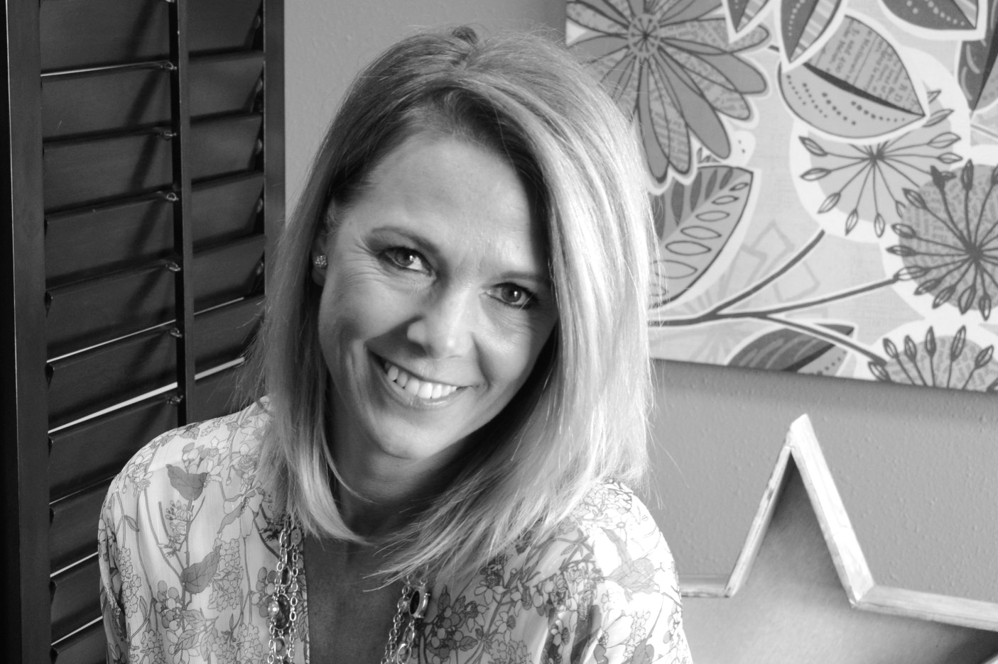Meet Teri! - Head Stylist and Proprietor, Teri has over 20+ years of beauty experience. Specializing in cut, color and image making, she is an expert in her field, and a consummate professional in all things beauty. Her warm smile coupled with extraordinary people skills keeps her clients happy and returning year after year. Let Teri bring out the beautiful in you!Book an appointment: 320-251-1707 ext# 4 or text: 320-224-2014