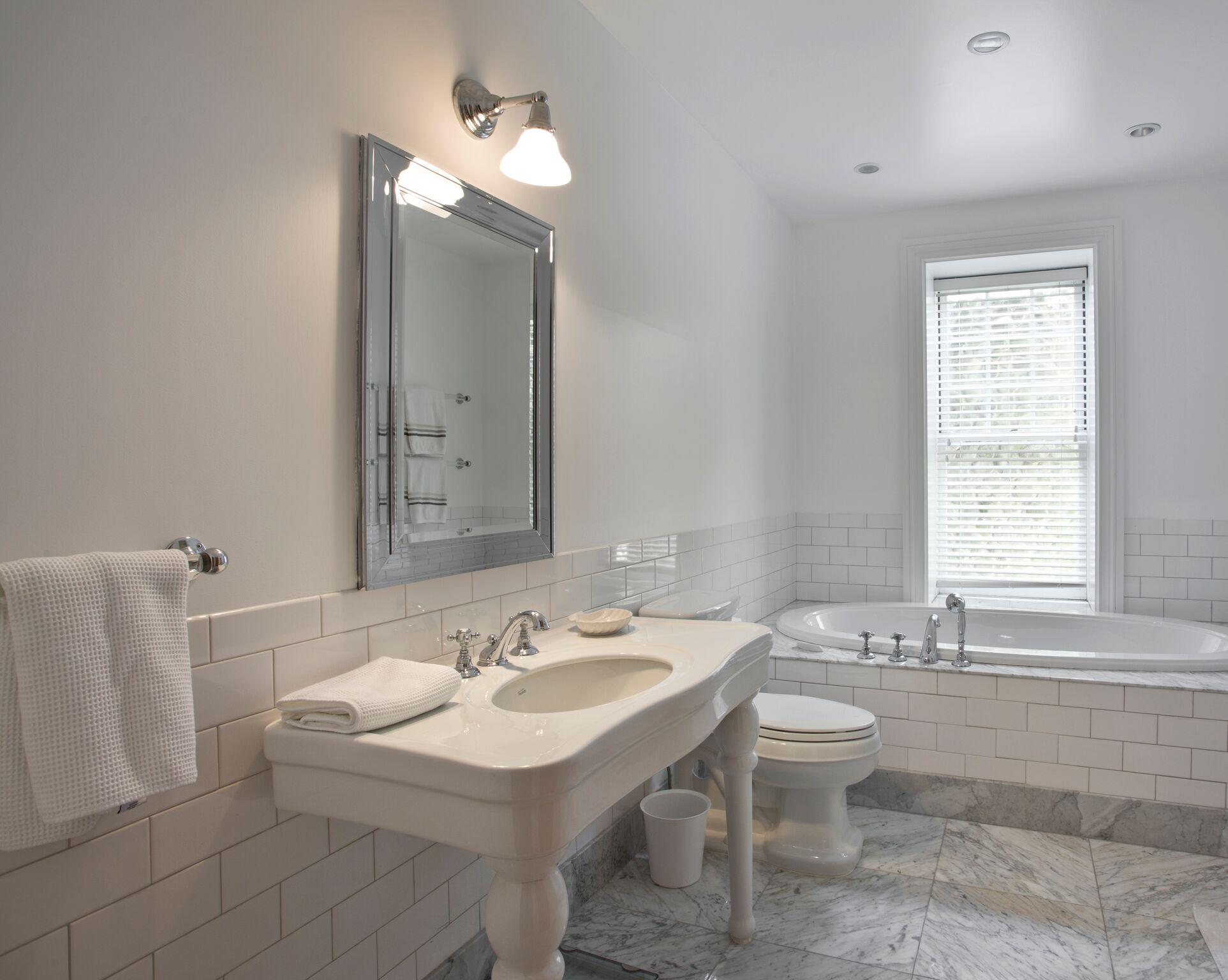 44-Sunrise-Bathroom-4_preview.jpg