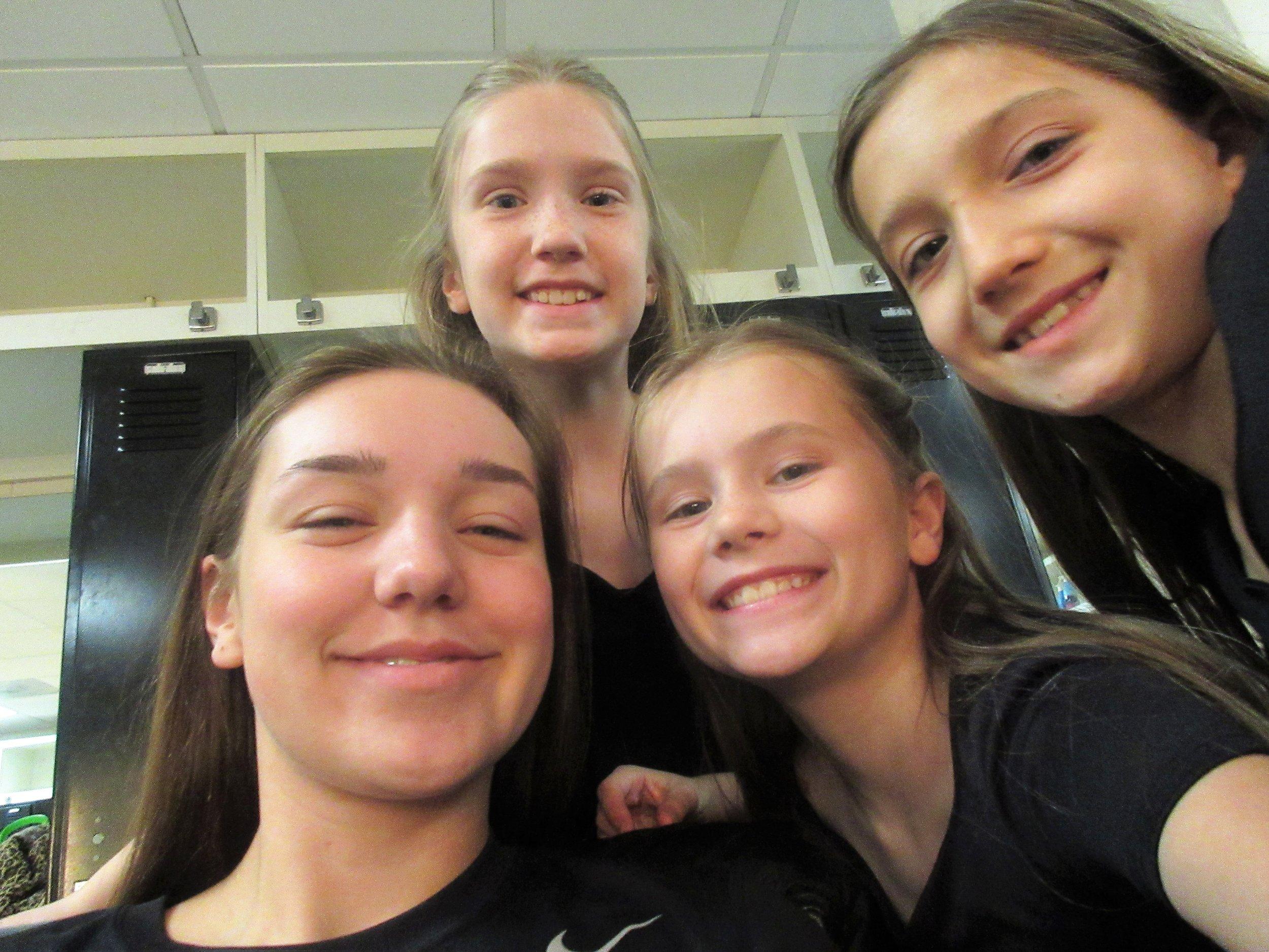 Fun B Choir dressing room selfies!