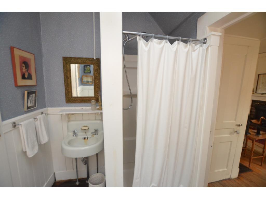 Downstairs Bath Before.jpg