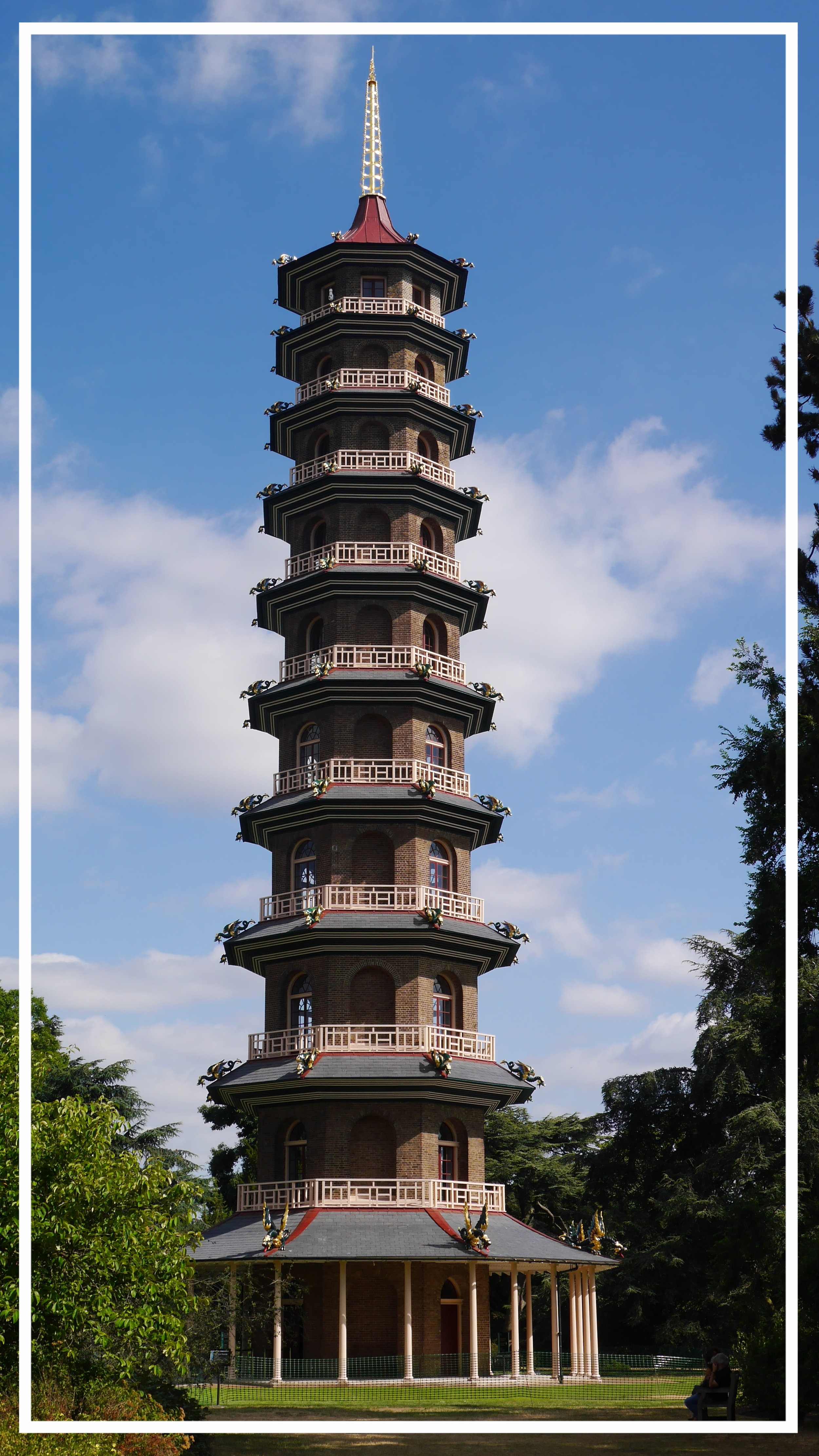 Dragon-adorned Pagoda, Kew Gardens, Richmond © HD Grzywnowicz, 2018