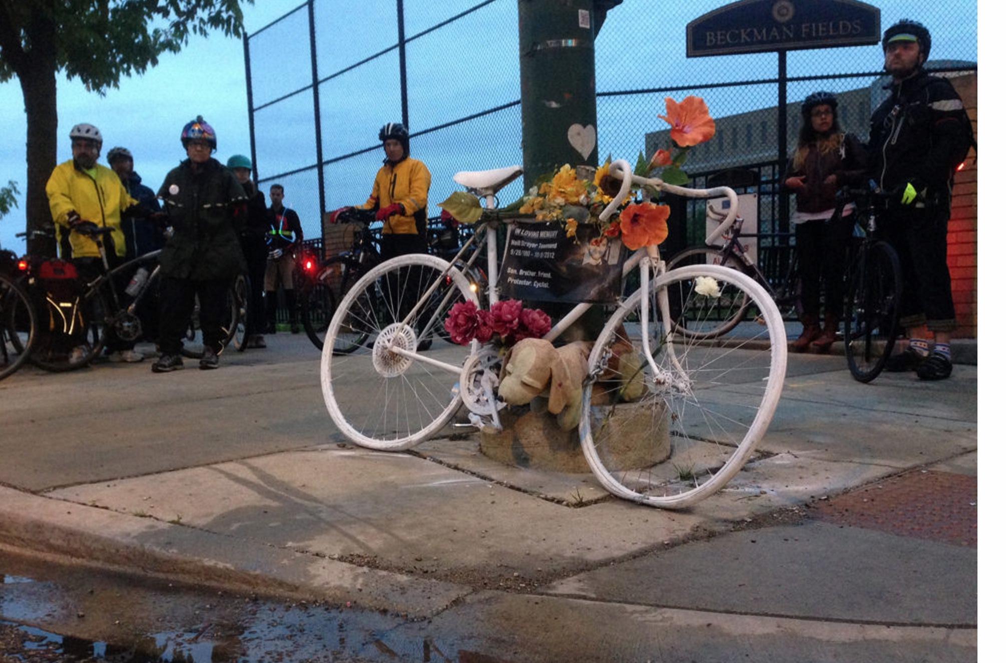 ghost bike chicago.jpg