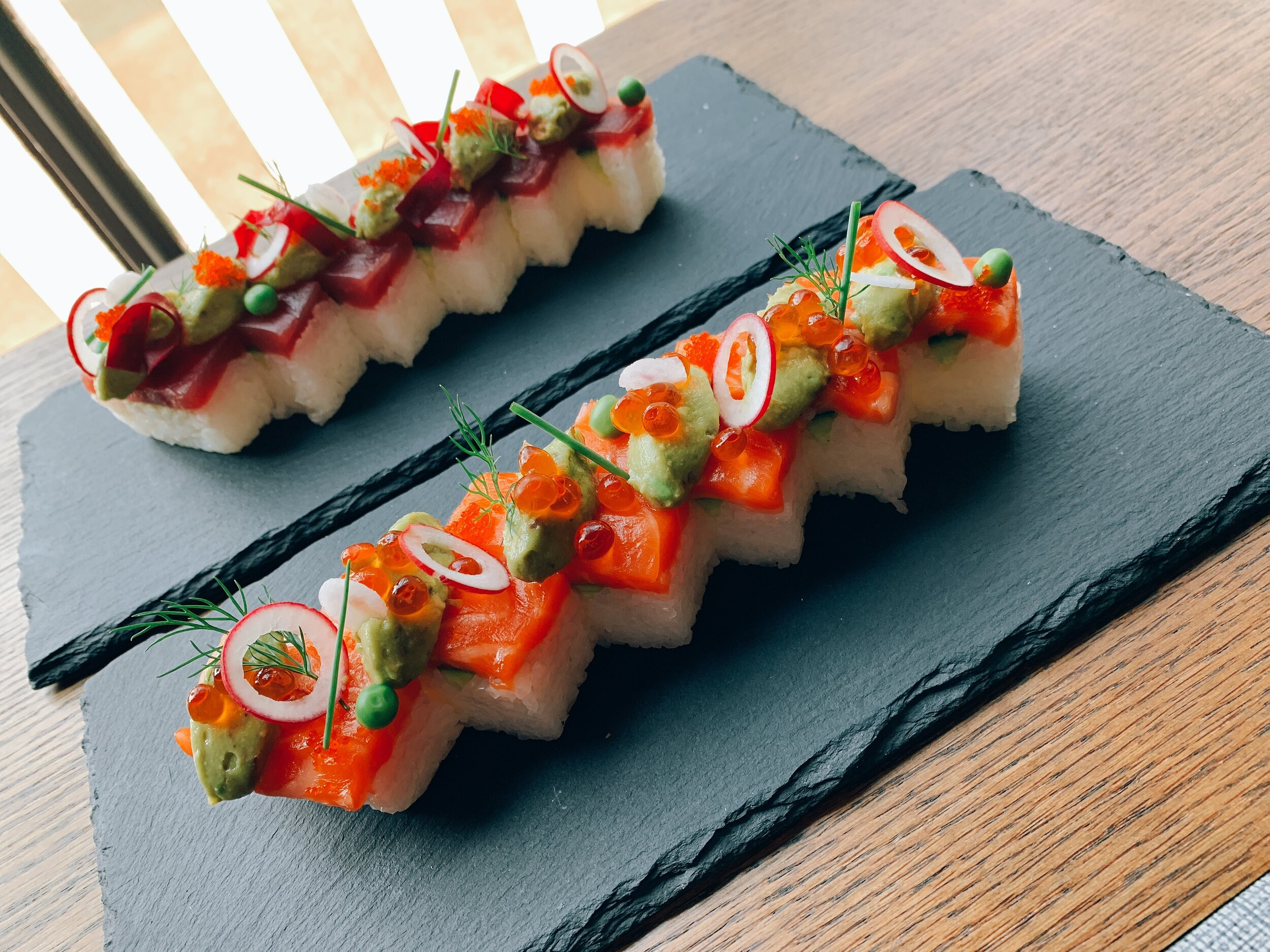 PRESSED SALMON AVOCADO ROLL (Oshi sushi)
