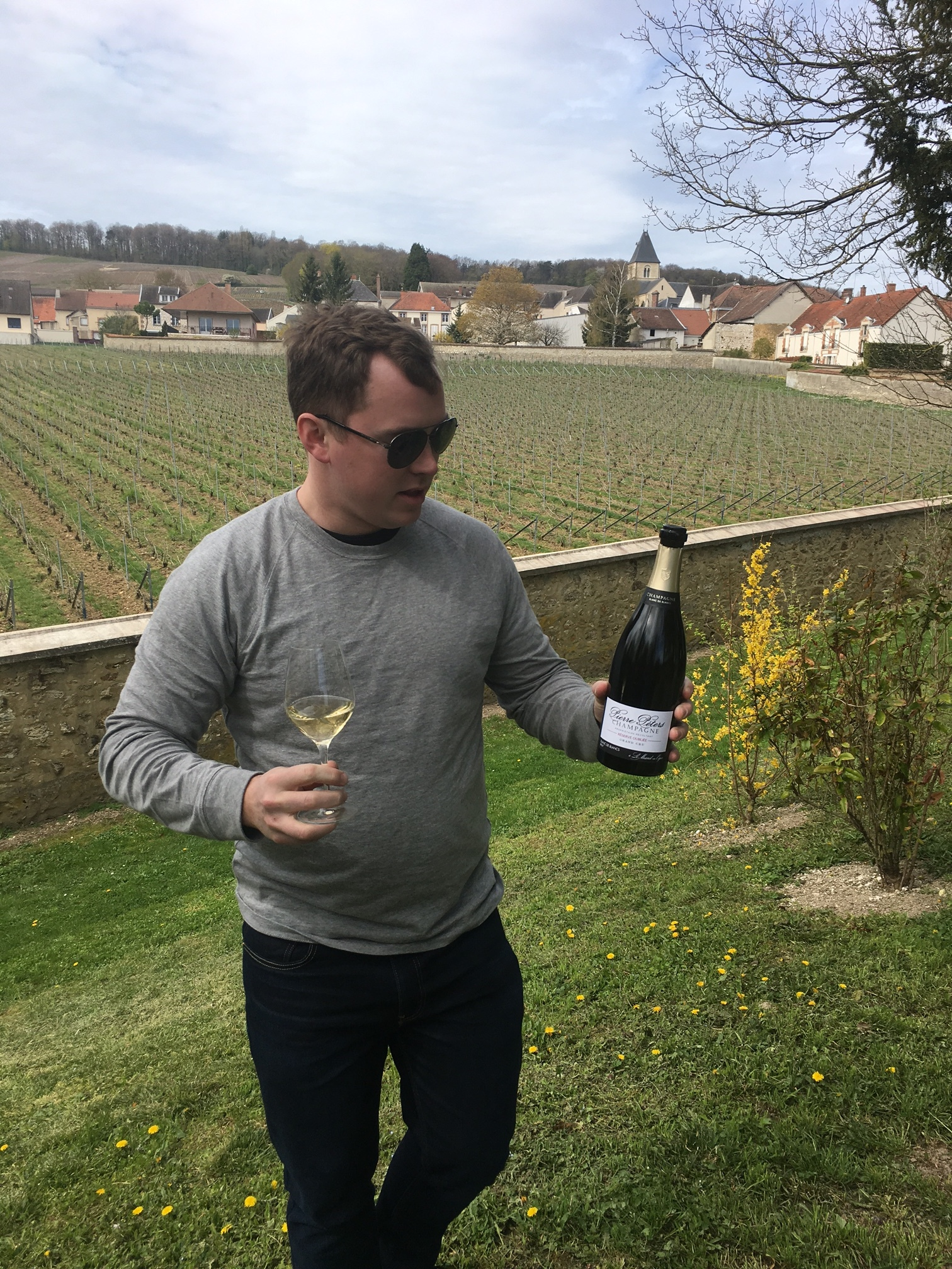 drinking Le Mesnil-sur-Oger Champagne in Clos de Mesnil