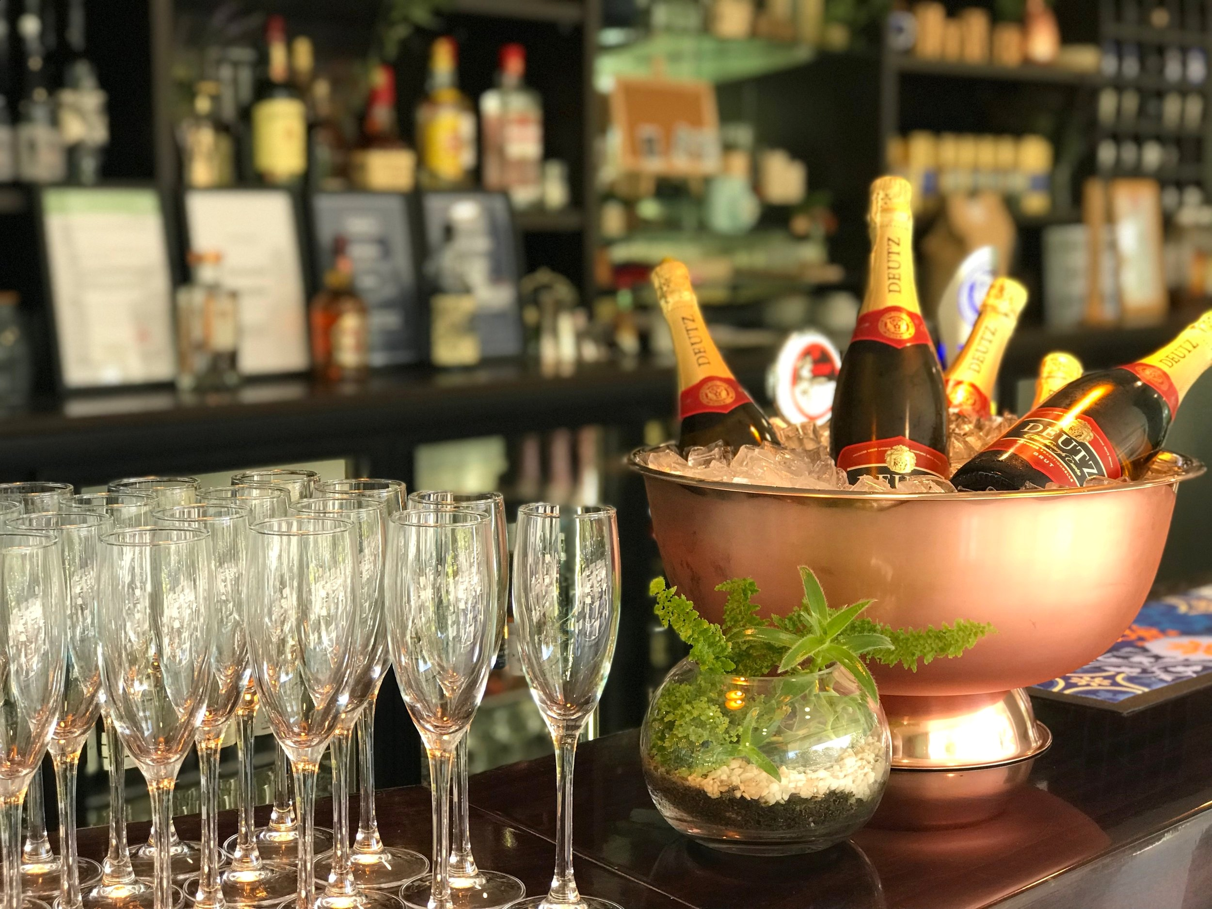 Corporate events arrival champagne wine bubbles