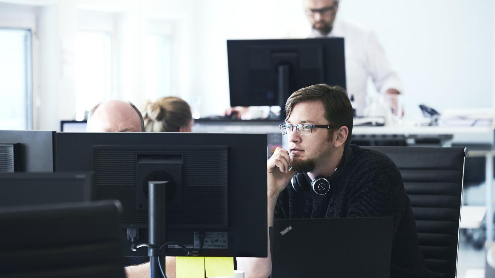 Drift - Vi er eksperter i IT-drift og tilbyder en unik kombination af praktisk erfaring og ekspertise. Vi kan rådgive eller overtage driften. Uanset, hvad I vælger, sparer I tid og ressourcer.