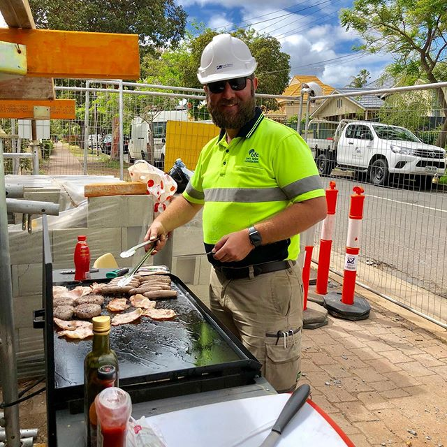 The work of a project manager is never done, it even includes cooking your trades breakfast! 🥓🥓🥓 #tradesbreakfast #whoneedsbunnings #thewillcox