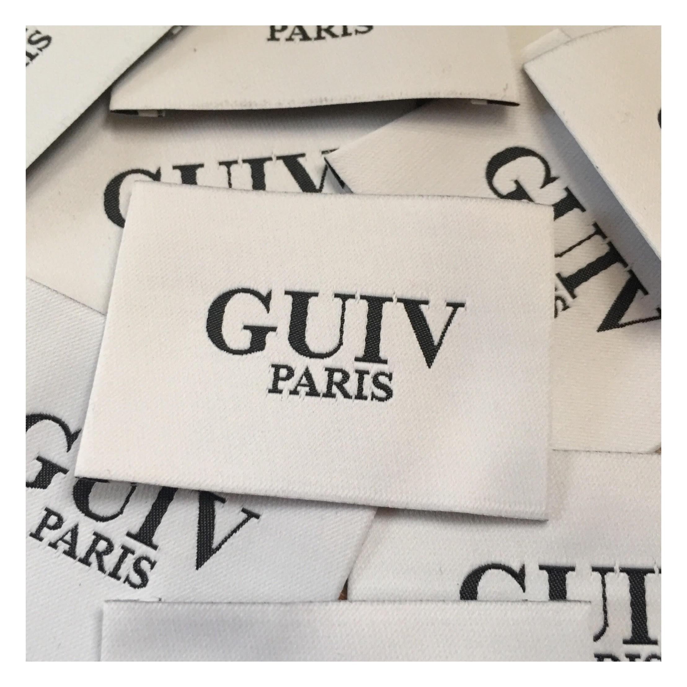 Guiv est la marque de jupe sur mesure fondée par Asefeh, l'entrepreneure de la vraie vie invitée cette semaine dans La Vraie Dose