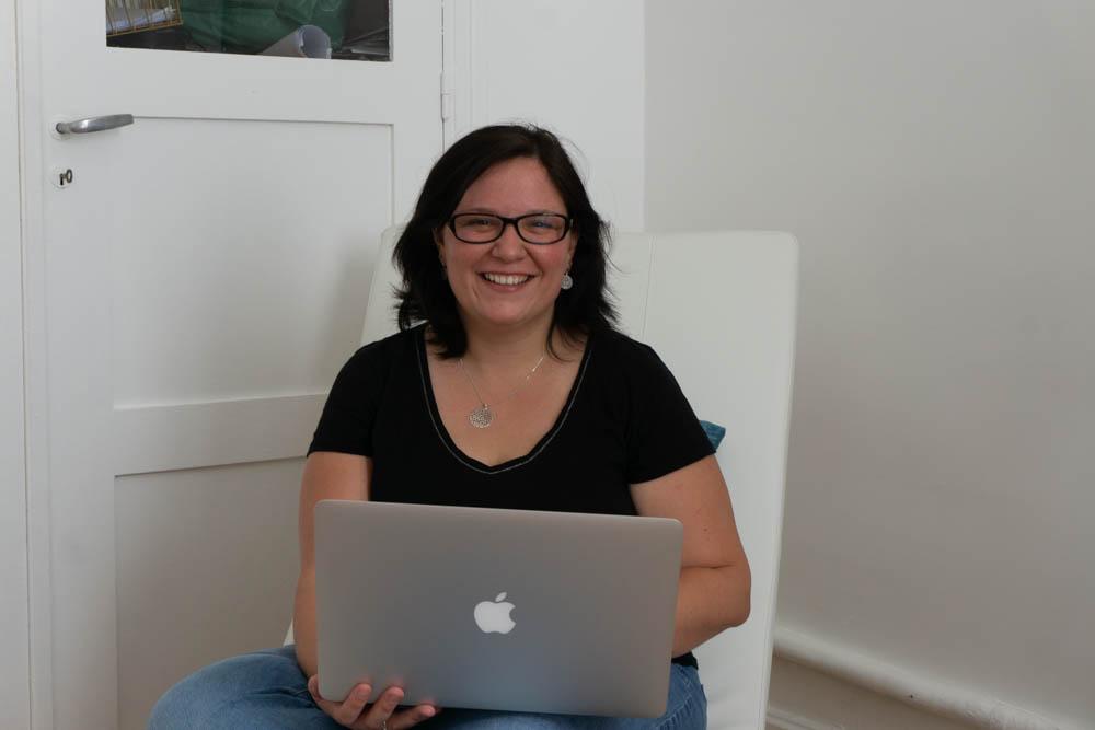 Hannah est la fondatrice de GoodByeSalariat un accompagnement et du contenu spécialement designés pour ceux qui veulent quitter le Freelancing