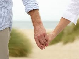 Couple+Holding+hands.png