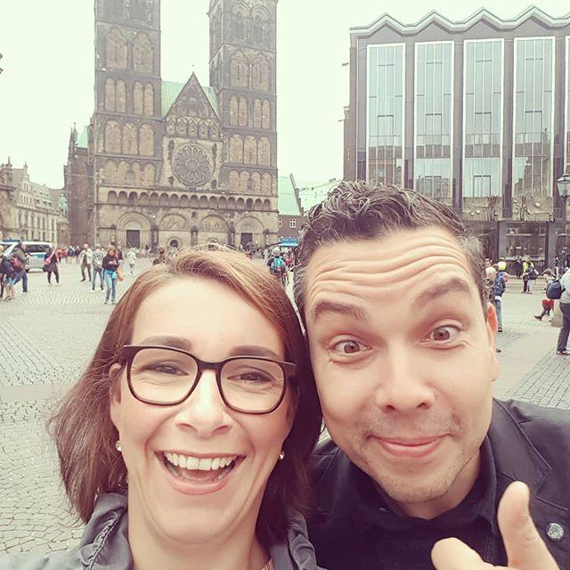 Viel Spaß 😆😆😆 hatten wir heute beim Erstgespräch mit einem potenziellen Neukunden in Bremen... Inspace goes Bremen!😁 . . . #inspace_by_engelmann #bremen #neukunden #dieswanja👧 #derlevent #ontour #innenräume #foyergestaltung #neues #markenarchitektur #oldenburg #nichtredenmachen
