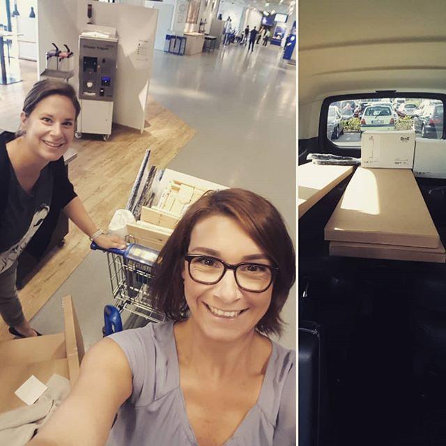 Neue Büromöbel braucht das Land...✏📆🗃✂️🖇💻📠 Shopping bei @ikea_oldenburg. 🏙🛋🛏 Wenn du gerne zur Arbeit gehst, weil sie inspiriert, ist es ein INSPACE💡💡💡 @inspace_by_engelmann . . . #oldenburg #inspace_by_engelmann #ikea #diesusi #dieswanja #jawirkaufenauchbeiikea #bürogestaltung #wirräumenauf #markenarchitektur
