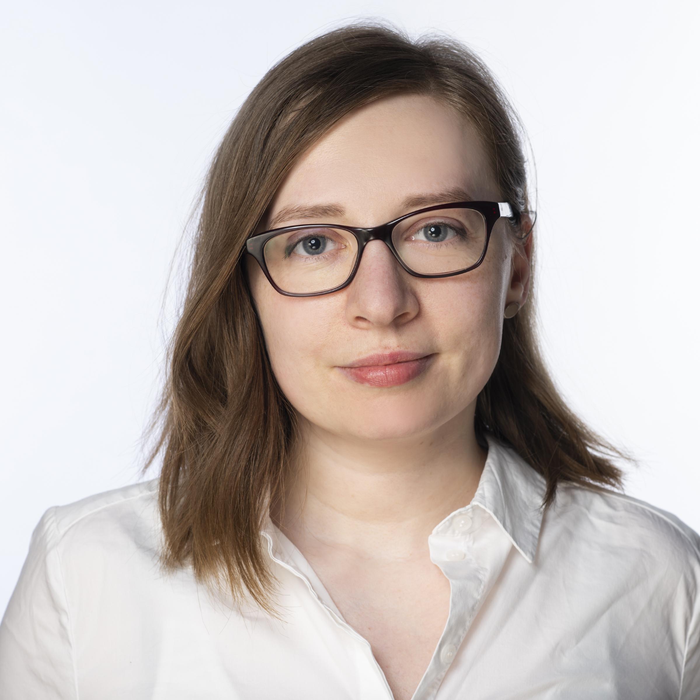 Andrea Holstein - Bachelor of arts in Innenarchitektur (FH)+49 441 7792922andrea.holstein@inspace.de