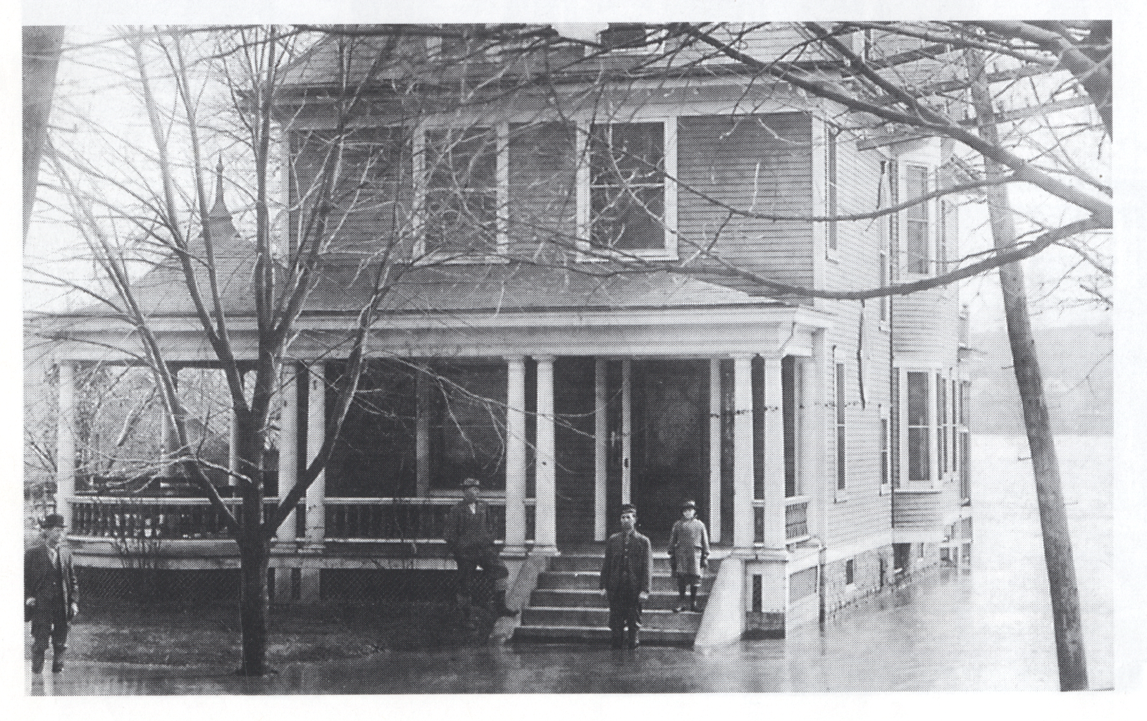 1913 Flood Webster house next to the Presbyterian Church 4th st.png