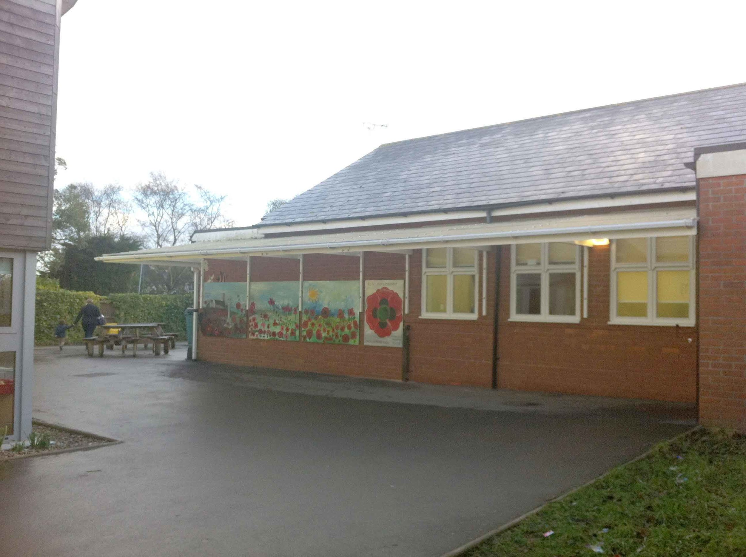 - I thought the children within the school throughout the years took such care and pride in painting their own poppy's onto the large scale piece and hopefully (after a final varnish) the mural will stand pride of place within the school grounds for many years!