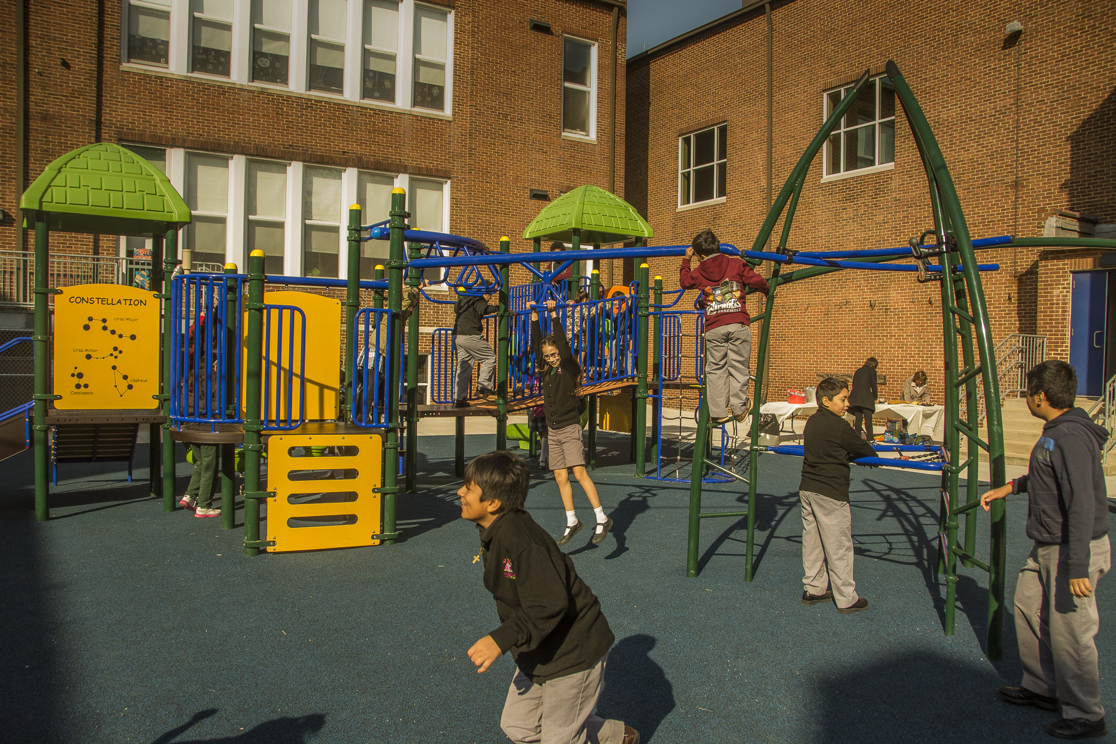 Archbishop borders - 3500 Foster AvenueBaltimore, MD 21224Visit school websiteArchbishop Borders School is a Catholic school community that provides a rigorous academic dual language program infused with Catholic values to prepare leaders for a multicultural society.Leadership: Ms. Valerie Sandoval, PrincipalWatch School VideoQuick Facts:Grades: Pre-K through 8thEnrollment: 248Capacity: 280Empty Seats: 32Average class size: 20Demographics: 59% Hispanic, 17% African American, 13% Caucasian, 11% OtherFree & Reduced Lunches: 53%