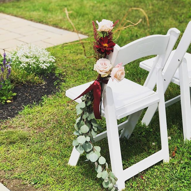 A stunning chair decor piece! 😍  #destinationwedding #orlandoflorist #atmospheresfloralanddecor
