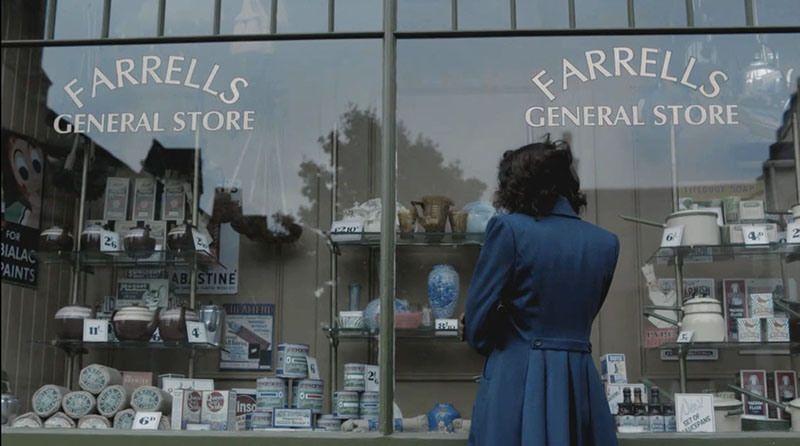 outlander-general-store-claire-blue-vase.jpg
