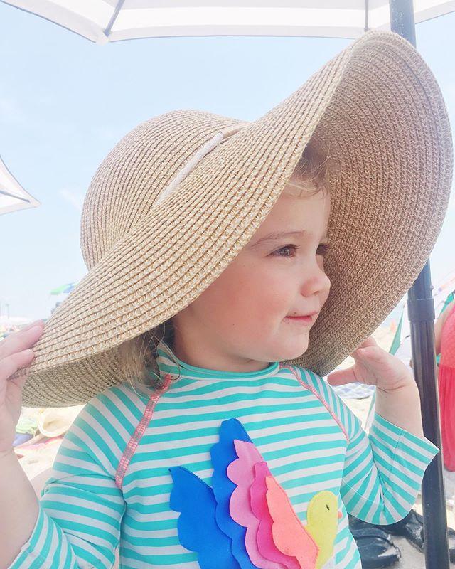 My little brooklyn beach babe 💫  #zoemeira